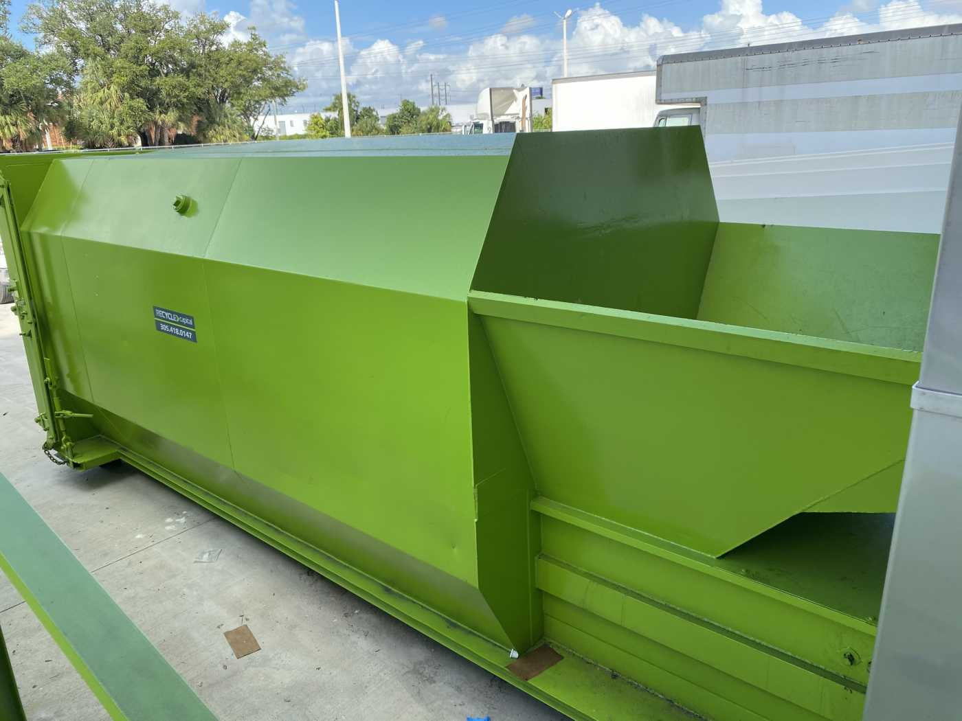 garbage compactor hoppers for rent
