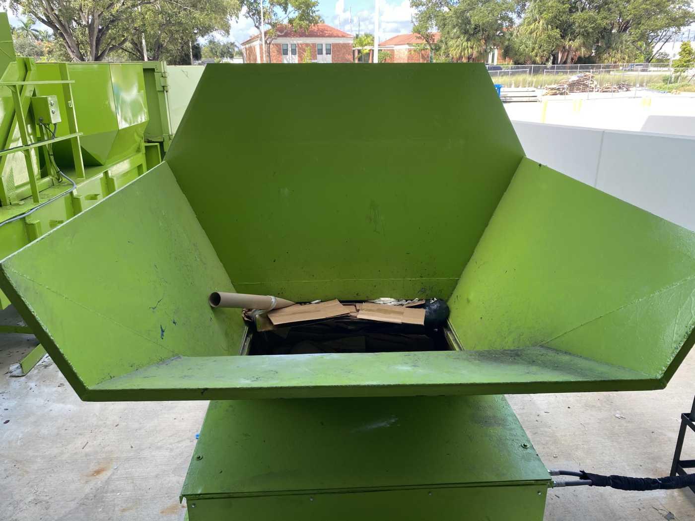 trash compactor hopper